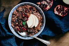 5 nya recept på havregrynsgröt | ELLE mat & vin Breakfast Snacks, Breakfast Time, Raw Food Recipes, Healthy Recipes, Overnight Oats, Light Recipes, Recipe Of The Day, Food For Thought, Acai Bowl
