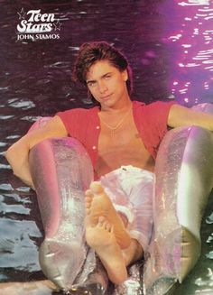 John Stamos Young, Uncle Jesse, Movie Magazine, Kevin Spacey, Hottest Male Celebrities, Beautiful Men Faces, Mtv Movie Awards, The Beach Boys, 50 Years Old