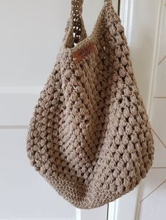 Stoere shopper haken - Happy Handmade living - Apocalypse Now And Then Crotchet Bags, Knitted Bags, Knitted Blankets, Crochet Handbags, Crochet Purses, Crochet Purse Patterns, Crochet Stitches, Love Crochet, Knit Crochet