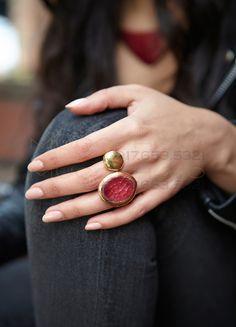 Copper Enamel Gemini Ring in Berry by Kiln Design Studio Photo by Enamel Jewelry, Metal Jewelry, Jewelry Art, Gemstone Jewelry, Jewelry Accessories, Fashion Jewelry, Fashion Accessories, Jewelry Trends, Fashion Rings