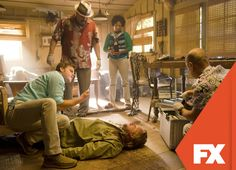 """Sussman aparece muerto pero Dexter continúa en la búsqueda de """"El Neurocirujano"""".  Dexter - Temporada final, lunes 23.00 / 23.30 VEN #ComienzaEnFX Mira contenido exclusivo en www.foxplay.com"""
