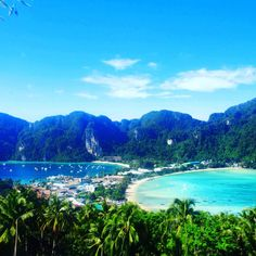Viewpoint 2 over Koh Phi Phi island - 15 days itinerary to visit Thailand | Backpacking Travel Guide to Thailand by Hibiscus & Nomada