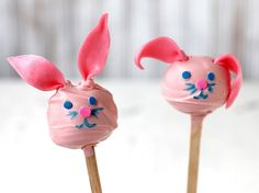 Blogger Brooke McLay from Cheeky Kitchen shares a favorite Easter treat recipe.Learn to make this recipe with our how-to  article.