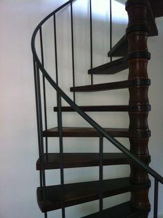 Traprenovatie nieuwe traptreden voor uw wenteltrap spiltrap of andere stalen trap leuningen - Ruimtebesparende mezzanine ...