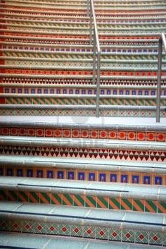 Hal trap on pinterest mosaic stairs painted staircases and stairs - Geheime deco ...