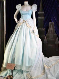 Cinderella Costume worn by Scarlett Johansson as Cinderella in the Annie Liebowitz series, from Disney Dream Portrait Series by Barry Wallis, via Flickr #Cinderella #DisneyPrincess #Disney #Cosplay