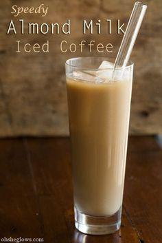 اگر در تهیه ی این آیس کافی نسبت قهوه و شیر بادام مساوی باشد نوشیدنی به دست آمده بسیار گوارا خواهد بود. اما می توانید طبق ذائقه ی خود این نسبت را تغییر دهید.