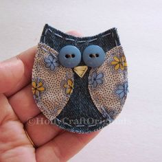 Handmade fabric owl applique measuring about 3 inches and is made from upcycled denim and leftover fabric scraps. This little owl is great for scrapbooking, cardmaking, or anything you might want to attach it to! - DIY Home Project Jean Crafts, Denim Crafts, Owl Fabric, Fabric Scraps, Scrap Fabric, Denim Fabric, Sewing Crafts, Sewing Projects, Sewing Hacks
