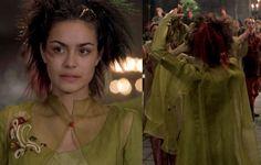 Knight's Tale Jocelyn Black Dress   Knights Tale Jocelyns Hair Observe jocelyn in the scene