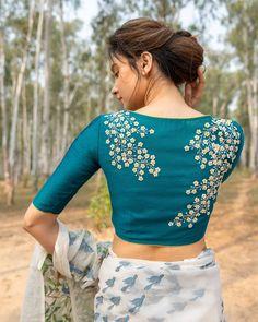 Kurta Designs, Lehenga Designs Simple, Saree Blouse Designs, Blouse Back Neck Designs, Kids Blouse Designs, Sari Design, Stylish Blouse Design, Hand Work Blouse Design, Designer Kurtis