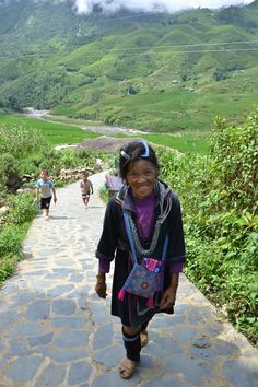 rout of local people in sapa