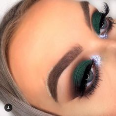 ideas for makeup sencillo ojos verdes ideas for simple makeup green eyes Makeup For Green Eyes, Blue Eye Makeup, Smokey Eye Makeup, Skin Makeup, Eyeshadow Makeup, Eyeshadow Palette, Revlon Eyeshadow, Easy Eyeshadow, Green Eyeshadow