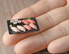 Polymer Clay Cake, Polymer Clay Crafts, Mini Things, Little Things, Tiny World, Clay Food, Miniature Food, Japanese Culture, Dollhouse Miniatures