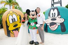 Tropical simplicity was the key theme for Dominique and Jonathan's Castaway Cay Disney Wedding, and they pulled it off beautifully! Thanks Jessica Lea Photo