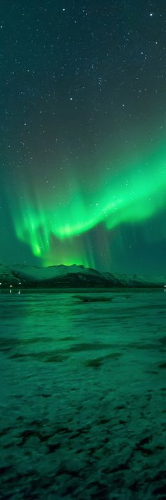 """10.Aurora borealis, the northern lights The Northern Lights usually circle the globe in a circular or elliptical """"oval"""" centered on the earth's North Magnetic Pole, which is not at the same location as the North Geographic Pole, but rather is slightly offset in the direction of northern Canada. This oval is known as the """"auroral …"""