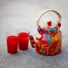 A series of hand-painted kettles which brings a sense of #colour, #fun and craziness in your #homes . Box includes : A #kettle and two #hand-painted chai (#tea) glasses | #Buy this at - http://ow.ly/ob3qF