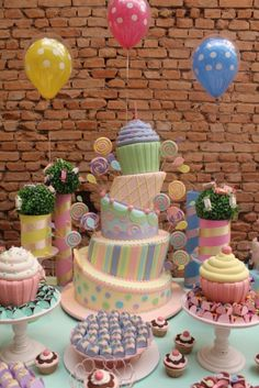 Love this cake design..in warm colors