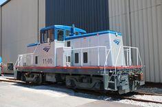 Amtrak 1100 - Shop Switcher at Wilmington, DE on 18 June 2016 Diesel, Train Art, Train Pictures, Train Tracks, Locomotive, General Electric, Yards, Goats, Transportation