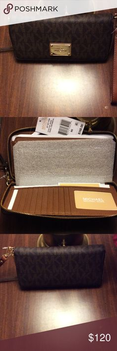 Michael Kors Jet Set Travel Continental Wallet NWT, Perfect for everyday use. Michael Kors Bags Wallets