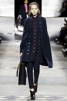 Пальто-бушлат берет подиумы на абордаж | Мода | Тенденции | VOGUE