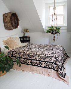 You Can Deco app es la aplicación gratuita de las reformas para diseñar dormitorios gratuitamente y conocer su precio al instante. Entra en www.youcandeco.com ahora y descubre tus habilidades como interiorista.