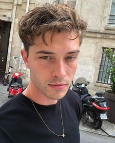 Francisco Lachowski Instagram, Pretty Boys, Cute Boys, Chico Lachowski, Red Vespa, Cute White Guys, Colleen Hoover, Boys Over Flowers, Brazilian Models