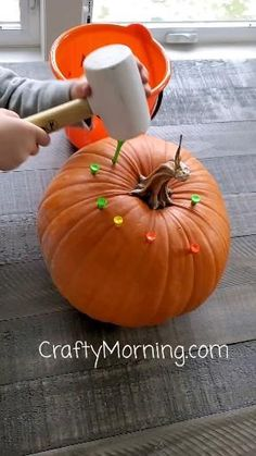 Have your kids practice their fine motor skills with this pumpkin activity. Pumpkin Halloween craft for kids to do. EASY!