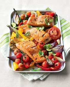 This easy salmon tray bake combines succulent salmon, peppers and courgettes all baked in one tray, which means less washing up! Tray Bake Recipes, Cooking Recipes, Vegetarian Cooking, Meal Recipes, Cooking Ideas, Yummy Recipes, Free Recipes, Shellfish Recipes, Seafood Recipes