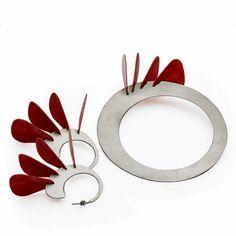 "Bogumił Bytomski, bracelet & earrings ""Flamenco"", srebro, piórka do gitary"
