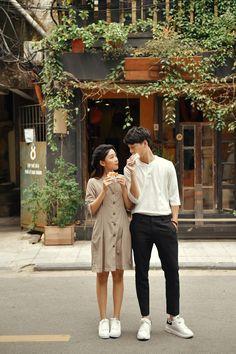 Korean Wedding Photography, Couple Photography, Photography Poses, Pre Wedding Poses, Pre Wedding Photoshoot, Couple Posing, Couple Shoot, Korean Couple Photoshoot, Mode Ulzzang