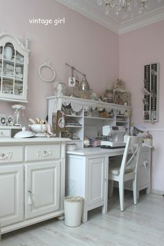 Vintage Girl: Nähstübchen ~ soft vintage room with pink walls and a lot of white vintage furniture ~