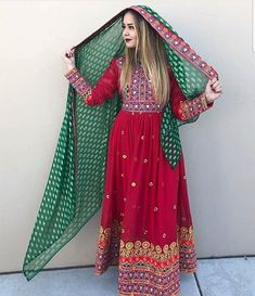 Afghan Clothes, Afghan Dresses, Types Of Dresses, Western Outfits, Casual Outfits, Casual Clothes, Stylish Dresses, Traditional Outfits, Beautiful Outfits