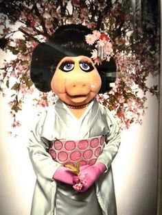 miss piggy in kimono