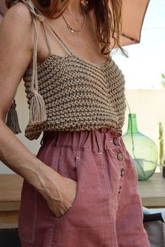 Crochet Blouse 19333 Crochet Blouses: Models, Charts and Photos step by step Crochet Summer Tops, Summer Knitting, Crochet Crop Top, Crochet Blouse, Crochet Bikini, Hand Knitting, Crochet Top Outfit, Crochet Shorts Pattern, Crochet For Kids