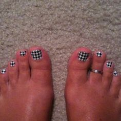 Love those hounds tooth tootsies! Bear Bryant would be proud. Roll Tide, Aurora, Sally Hansen Nails, Nail Stickers, Nail Decals, Alabama Crimson Tide, Mani Pedi, Toe Nails, Hair And Nails