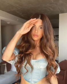 Negin Mirsalehi long curled hair with warm brown tones and highlights Ice Blonde Hair, Blonde Wig, Brunette Hair, Curls For Long Hair, Long Curly Hair, Curly Hair Styles, Brown Hair Balayage, Hair Highlights, Hair Colors