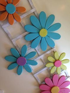 Paper flowers bouquet for Wooden Flowers, Paper Flowers Diy, Small Flowers, Flower Crafts, Daisy Flowers, Flowers Garden, Wood Yard Art, Wall Wood, Wooden Crafts