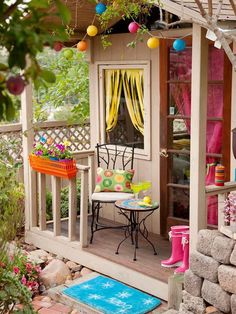 Playful Colors: childrens outdoor playhouse