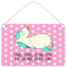 Deko Schild Einhorn Schnullie aus MDF  Weiß - Das Original von Mr. & Mrs. Panda.  Ein wunderschönes Schild aus der Manufaktur von Mr. & Mrs. Panda - die Schilder werden von uns direkt nach der Bestellung liebevoll bedruckt und mit einer wunderschönen Kordel zum Aufhängen versehen.    Über unser Motiv Einhorn Schnullie  Ein Einhorn Edition ist eine ganz besonders liebevolle und einzigartige Kollektion von Mr. & Mrs. Panda. Wie immer bei unseren Produkten sind alle Motive handgezeichnet und…