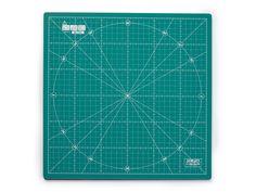 Otočná řezací podložka Olfa 30 x 30 cm - Bargello Bargello, 30, Card Holder, Cards, Scrappy Quilts, Rolodex, Maps, Playing Cards