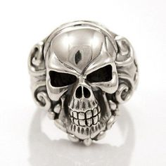 SKULL RING WITH TRINITY STERLING SILVER 925