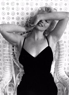 Marilyn Monroe photographer by Cecil Beaton, 1956.