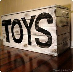 Fun pallet projects to make for your kids' playroom and backyard. Pallet Crafts, Pallet Projects, Wood Crafts, Pallet Ideas, Wooden Toy Boxes, Wooden Toys, Toy Rooms, Diy Furniture, Kids Room