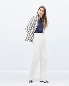Discover the new ZARA collection online. The latest trends for Woman, Man, Kids and next season's ad campaigns. Zara, Summer Jacket, Blazer Jacket, Latest Trends, Womens Fashion, Trendy Fashion, Jackets For Women, Normcore, Moda