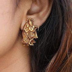 Indian Jewelry Earrings, Indian Jewelry Sets, Jewelry Design Earrings, Gold Earrings Designs, Necklace Designs, Gold Jewellery, Antique Earrings, Temple Jewellery, Stylish Jewelry