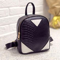 $5.44 (Buy here: https://alitems.com/g/1e8d114494ebda23ff8b16525dc3e8/?i=5&ulp=https%3A%2F%2Fwww.aliexpress.com%2Fitem%2FWomen-Serpentine-Backpack-Concise-Zipper-Fashion-Design-Rucksack-Backpack-Girl-Fresh-School-Bag-New-Mochilas-Femininas%2F32748519168.html ) Women Backpack Serpentine Panelled Zipper Fashion Design Shoulder Bag Girl Fresh School Bag New Mochilas Femininas #7120 for just $5.44