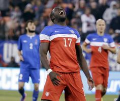 Jozy Altidore says he hasn't lost his confidence despite a dismal season with Sunderland.