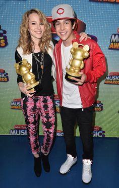 Bridgit Mendler y Austin Mahone ganadores en los Premios Radio Disney 2013