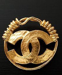 Round Logo Brooch in Gold -  Vintage Chanel