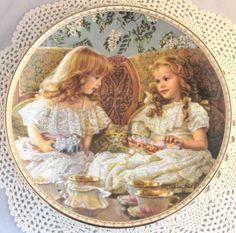 Sandra Kuck Best Friends 1st Issue Sugar And Spice Series Ornate Gold Rim Plate